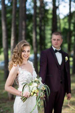 vestuviu fotografai daro fotosesijas neiprastose erdvese